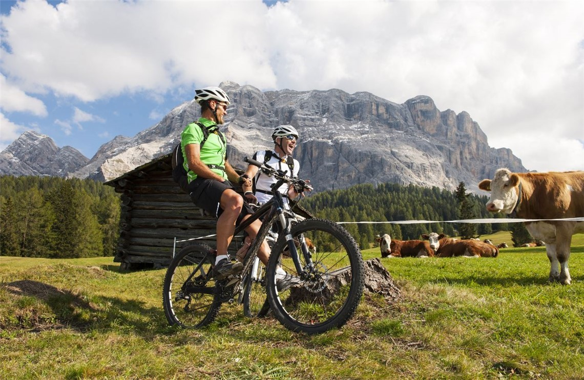Package: cycling in the Dolomites!